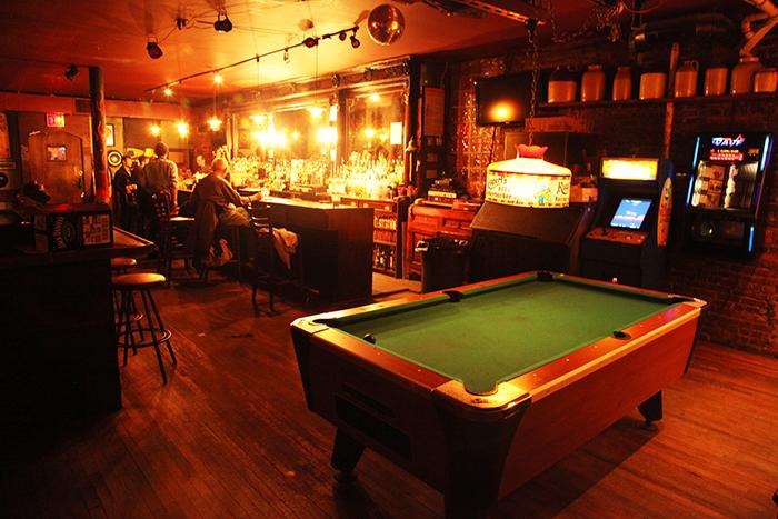 bar-inside01